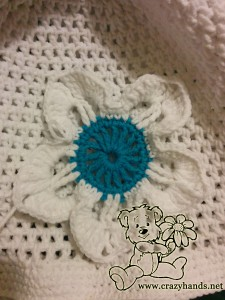 how to crochet a flower for a hat - step #8 (flower petal)
