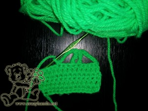 crochet car pattern: front lights of the car