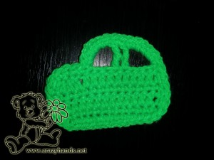 finished crochet car without wheels