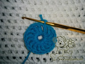 how to crochet a flower for a hat - step #3 (middle part)