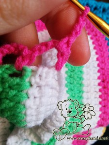 rainbow cardigan pattern: crochet the second raw of the lace - step #1