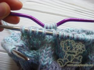baby hat knitting pattern: cable four back knitting stitch - step #2