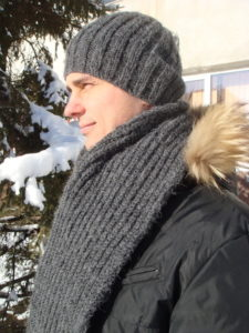 men's knit scarf pattern and slouchy hat knit pattern