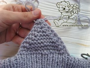 knitting the earflaps of the baby hat - step #4