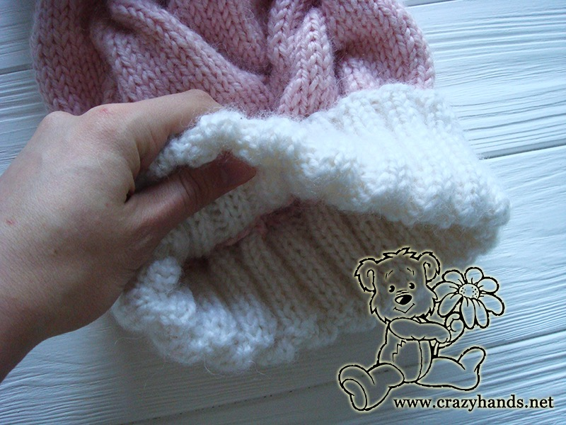 Pink Marshmallow Cable Knitted Hat - look from the inside