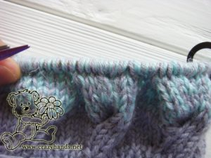 baby hat knitting pattern: cable four front knitting stitch - step #3