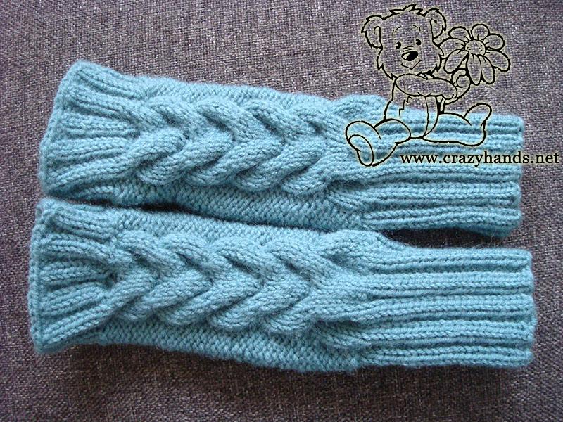 Cable fingerless gloves knitting pattern