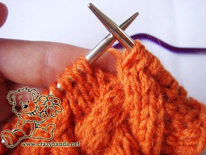 Knit cowl pattern: cable 3 front knitting stitch description - step#3