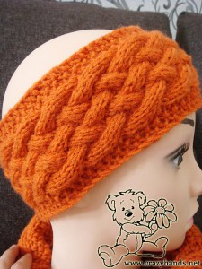 wicker knit headband on the mannequin