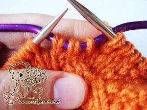 Knit cowl pattern: cable 3 back knitting stitch description - step#1