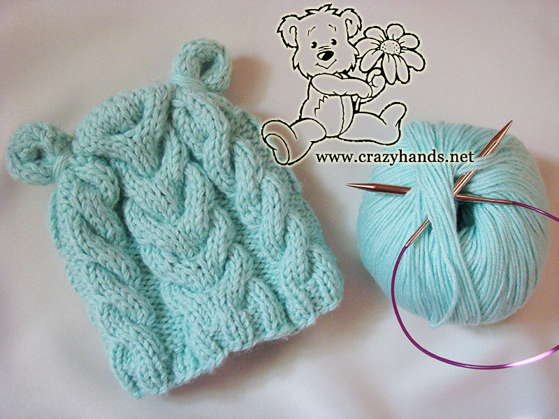 Earflap baby hat knitting pattern (for newborns).