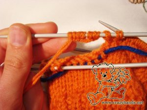 Knitted mittens pattern: knitting thumb gusset step #7