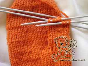 Knitted mittens pattern: how to knit gusset section step #5