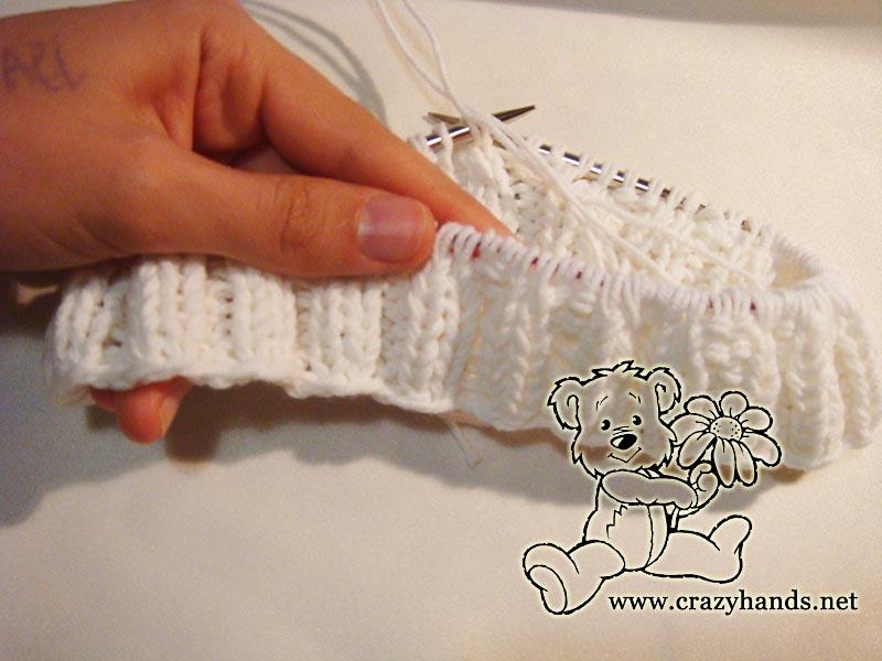 b9d4c8223f4b81 Ribbing of the knitted raglan sweater pattern