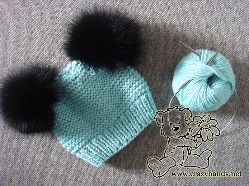 Ocean blue knitted baby hat pattern