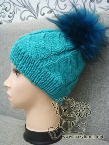 finished azure cable hat with fur pom pom