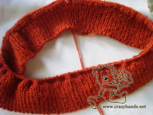 Casting stitches of the knitted cowl pattern