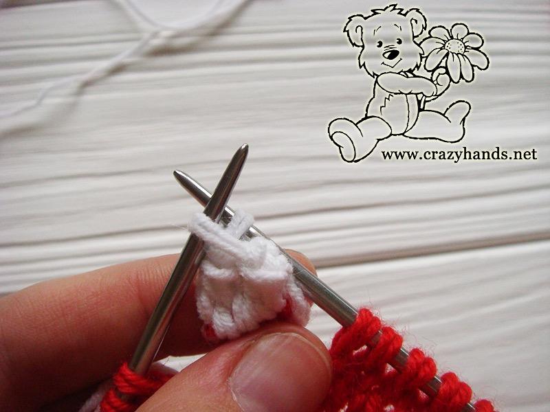 Santa Hat Pattern: knitting bobble stitch, step 12