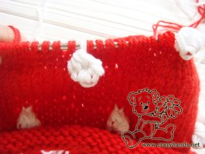Santa Hat Pattern: knitting bobble stitch, step 14