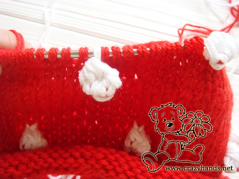 Santa Hat Pattern: knitting bobble stitch, step 14