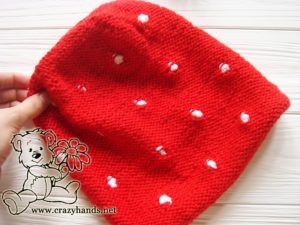 Shaping the crown of Santa-Style Knit Hat