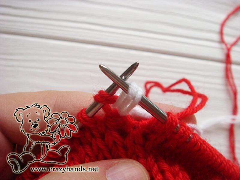 Santa Hat Pattern: knitting bobble stitch, step 1