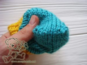 Top of the baby knit mittens