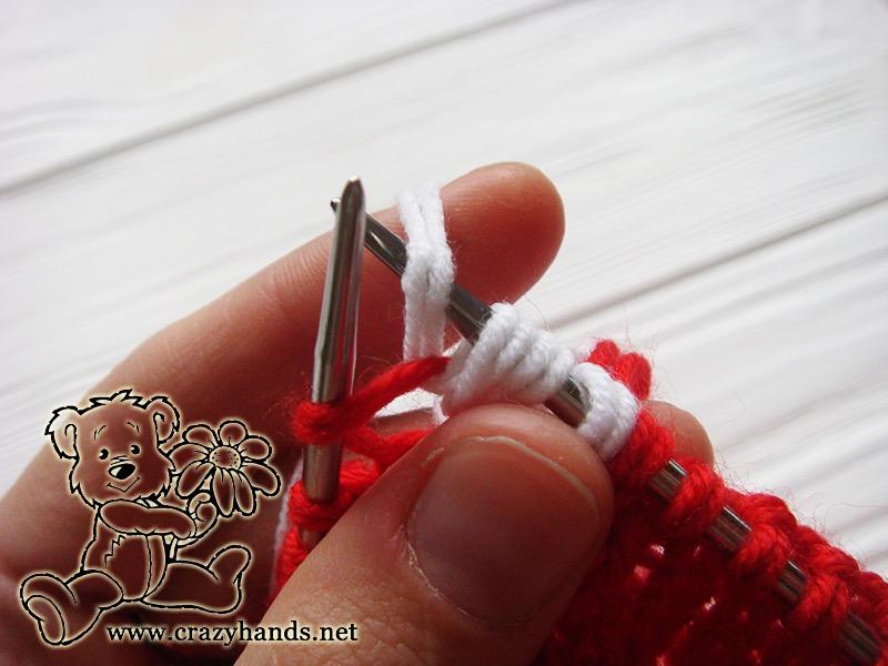 Santa Hat Pattern: knitting bobble stitch, step 4