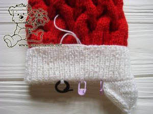 santa-cable-knit-hat-baby-earflapes-step-1