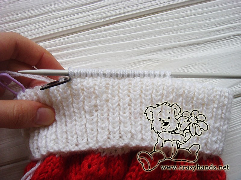 santa-cable-knit-hat-baby-earflapes-step-3