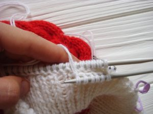 santa-cable-knit-hat-baby-earflapes-step-7