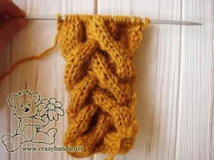 Purl stitches of Honey-Butterscotch Ear Warmers