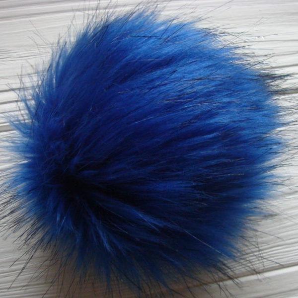 FAUX fur blue Pom pom
