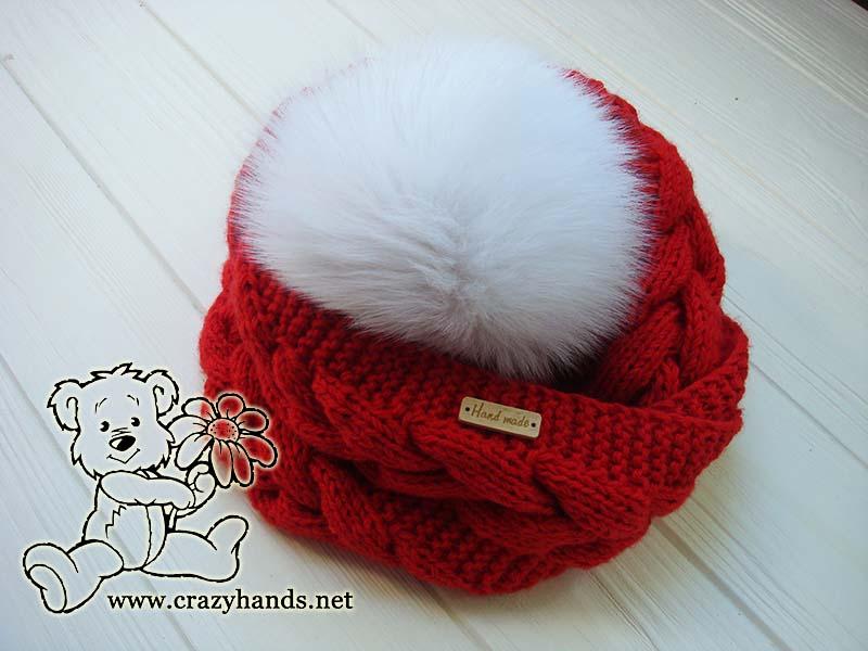 infinity santa cable knit hat with pom pom