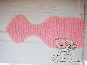 half of the knit bow headband