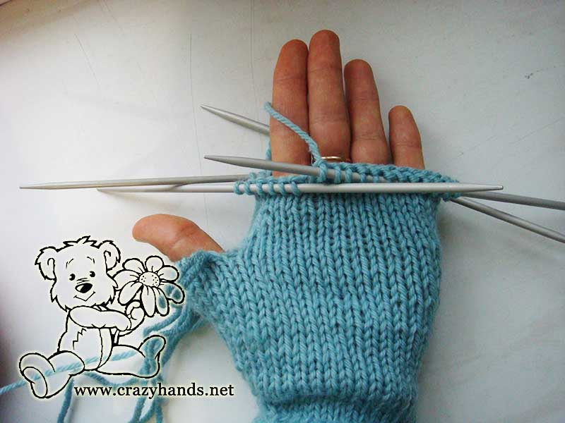 Decrease from the palm of fingerless gloves