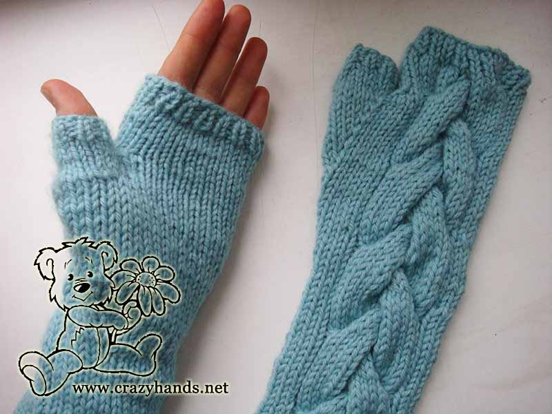 Finished cable gloves
