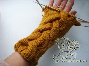 Mustard knit cable mittens