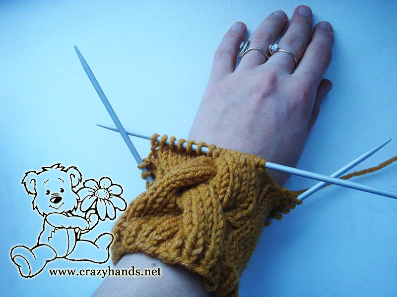 Ribbing part of the cable gloves - picture 2