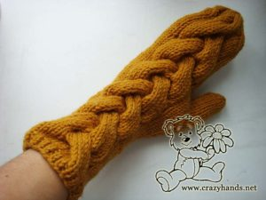 Right mitten - Long cable knit mittens