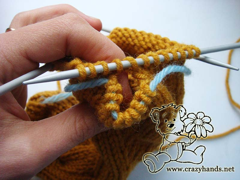 knit gusset section of knit cable mittens - picture 3