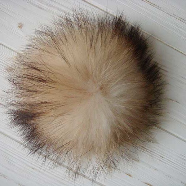 Raccoon fur pom pom white and black